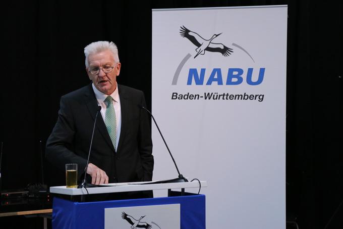 Ministerpräsident Winfried Kretschmann sprach bei der Amtseinführung von Johannes Enssle ein Grußwort. - NABU/Adam Schnabler